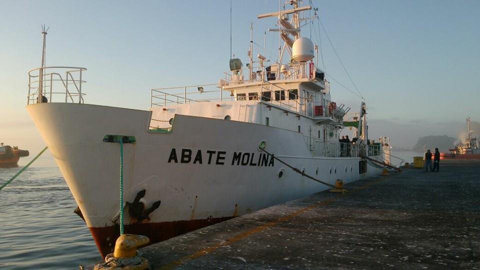 """B/C  Abate Molina  zarpa a """"Monitorear  las Condiciones Bio-oceanográficas entre las regiones de Arica y Antofagasta""""."""