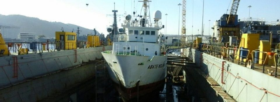 Scientific Vessel Abate Molina enter dry dock in Asmar Talcahuano