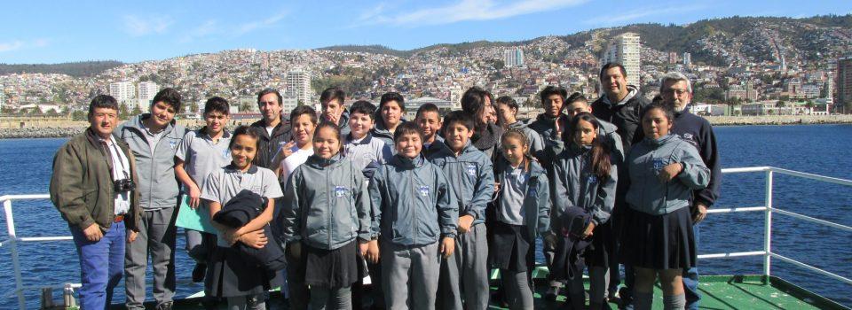 Colegio  Visita Buque Científico Abate Molina