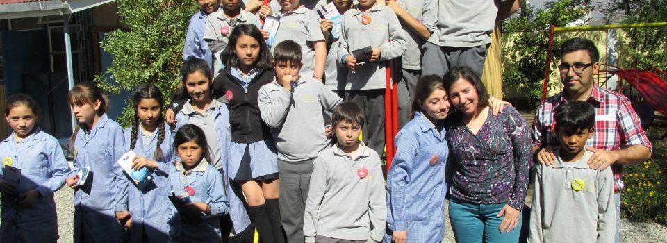 Instituto de Fomento Pesquero brings closer the world of science to schools in Mil Científicos Mil Aulas program