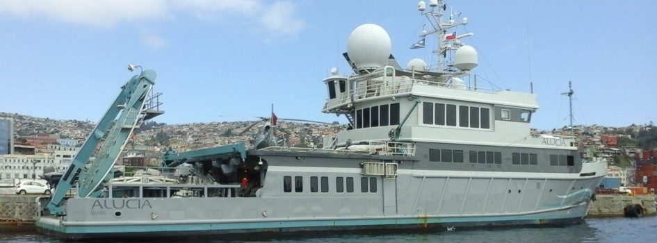 National observer, representing Chile, is onboard the scientific vessel from United States