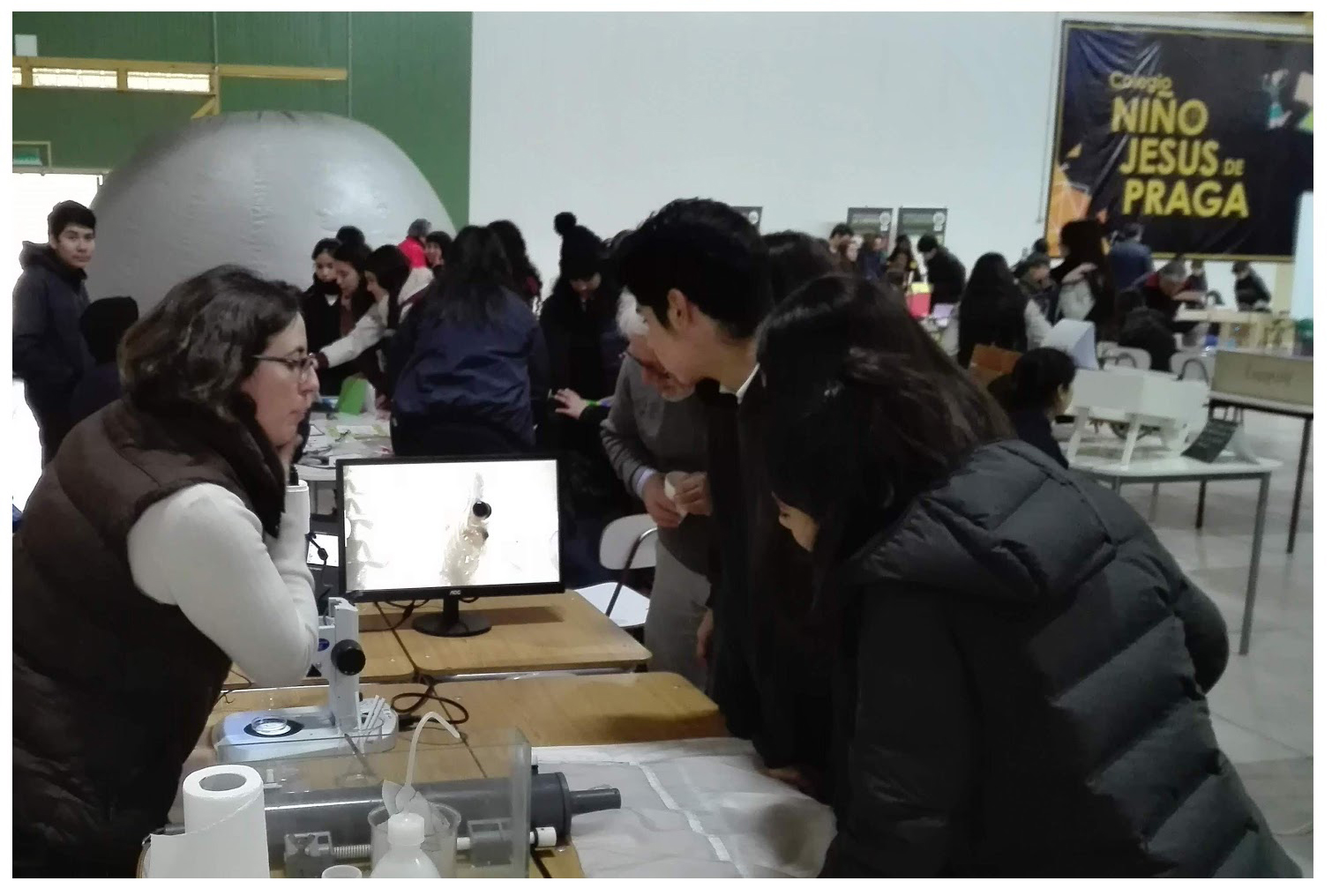 Investigadoras de IFOP acercan la ciencia a escolares en colegio de Quillota