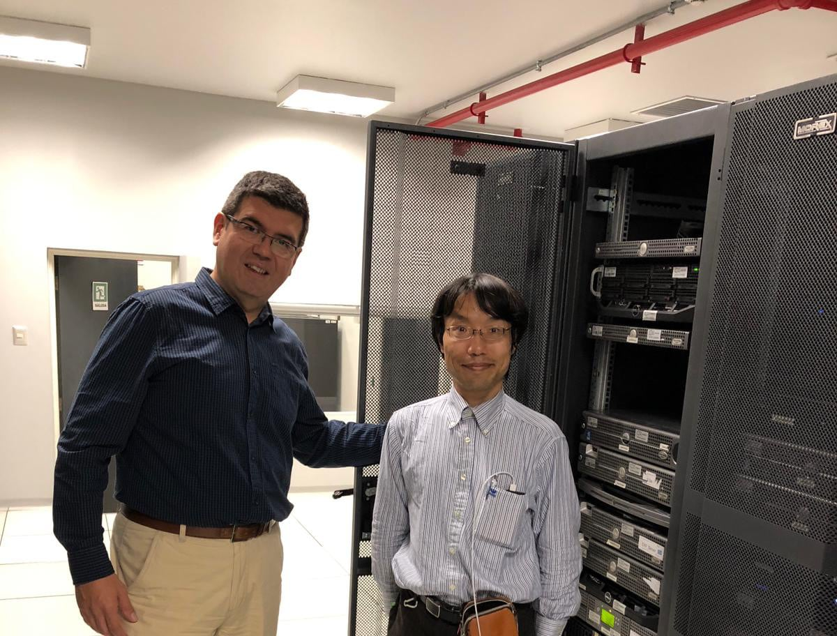 Japanese specialist visits IFOP Datacenter