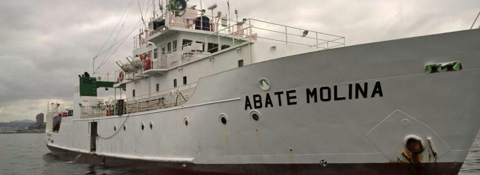 Abate Molina zarpó a investigar jurel