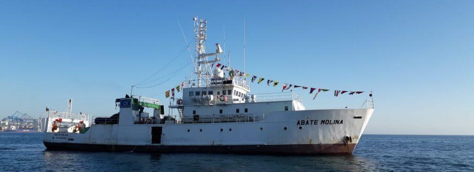 Buque Científico Abate Molina Zarpa a investigar el Jurel entre Arica y Valparaíso